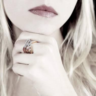 束带黑钻戒指