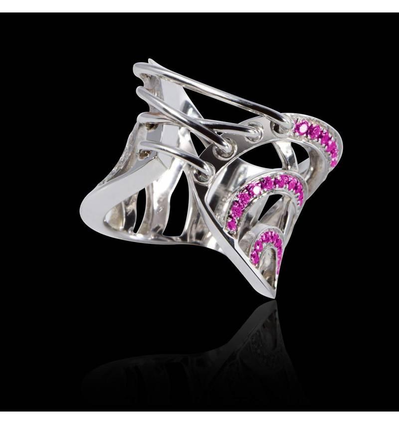 束带粉红蓝宝石戒指