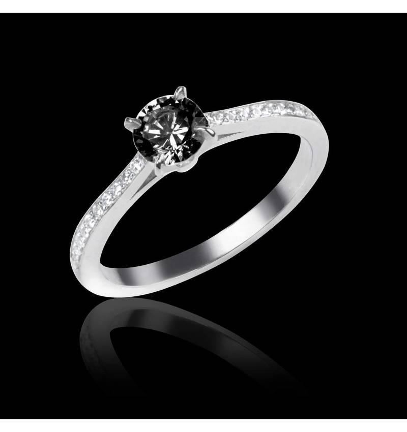 Elodie白18K金黑钻订婚戒指 群镶钻石