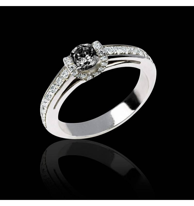 Hera白18K金群镶钻石 黑钻戒指