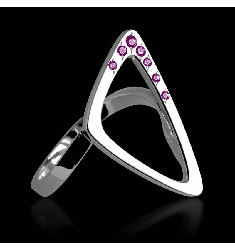 三维 粉红蓝宝石戒指