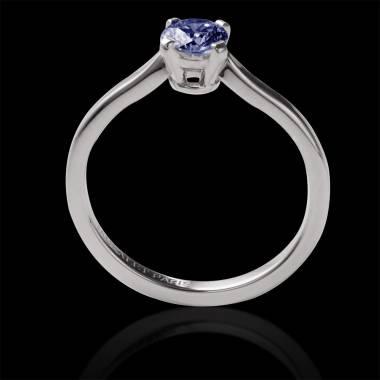 Vanessa solo 18k金单颗圆形蓝宝石订婚戒指