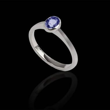 Moon solo 椭圆形单颗蓝宝石戒指
