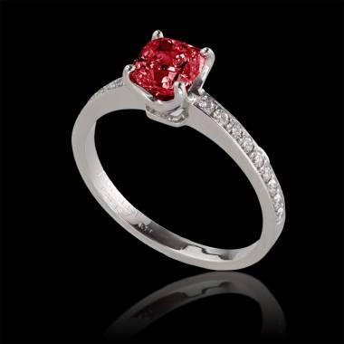 Sandy 红宝石订婚戒指