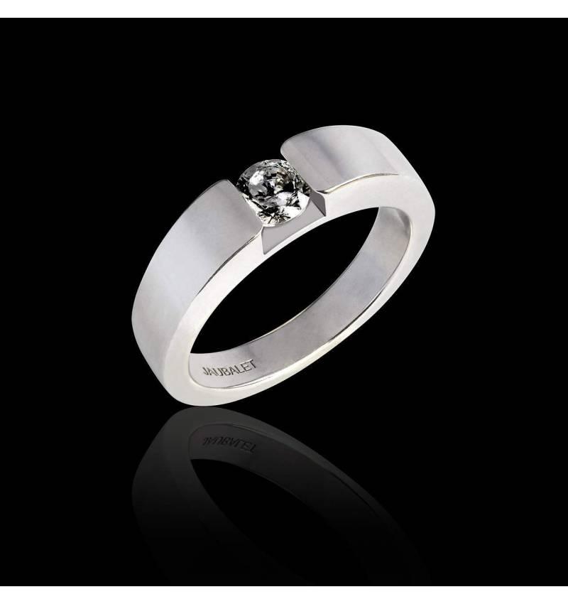 Pyramide 白18K金圆形黑钻订婚戒指