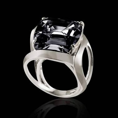 Future Solo 垫型单颗蓝宝石戒指