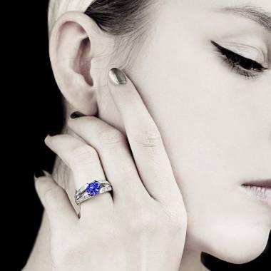 伊莎贝尔 蓝宝石订婚戒指