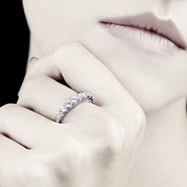 Ceres 白18k金密镶钻石婚戒