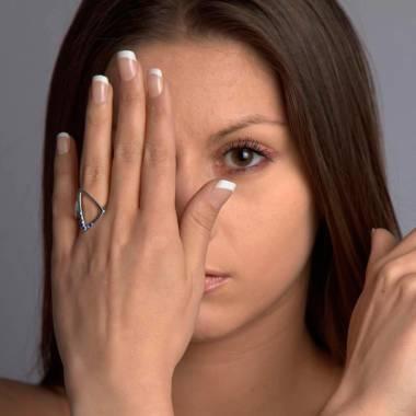 三维 蓝宝石戒指