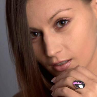 Quake 粉红蓝宝石戒指