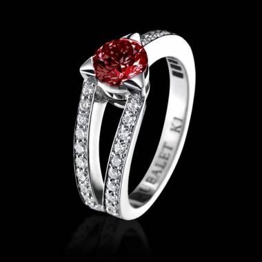 满月 白18K金红宝石订婚戒指 群镶钻石