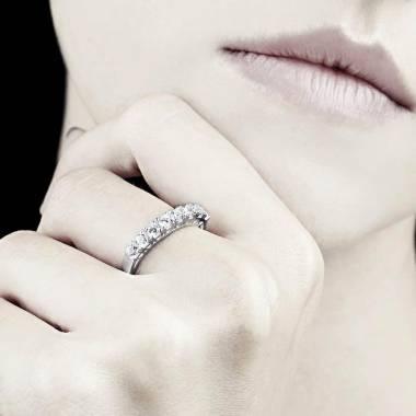 Ceres 铂金密镶钻石婚戒