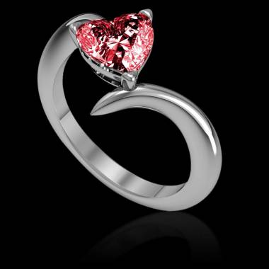 蛇纹之心形红宝石订婚戒指