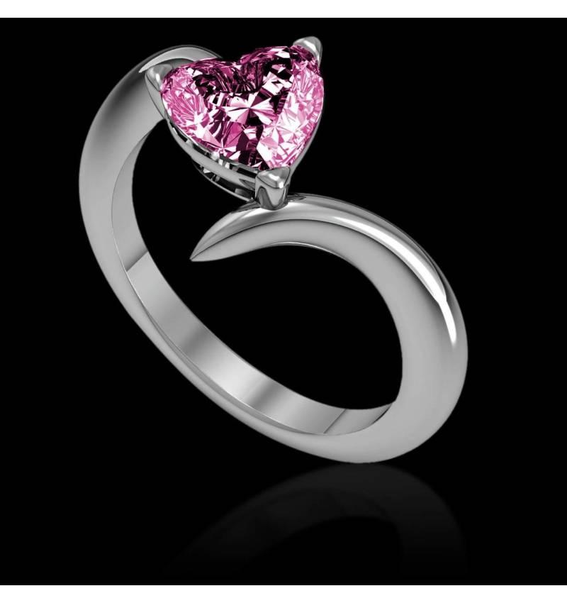 蛇纹之心形粉红蓝宝石订婚戒指