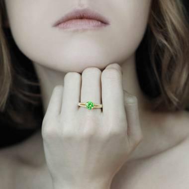 玛丽 祖母绿蓝宝石订婚戒指