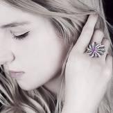 Dahlia 上漆钻石戒指