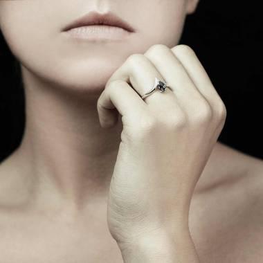 Bague diamant noir Flavie solo