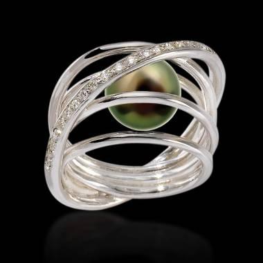 Cache K金黑珍珠密镶钻石 订婚戒指