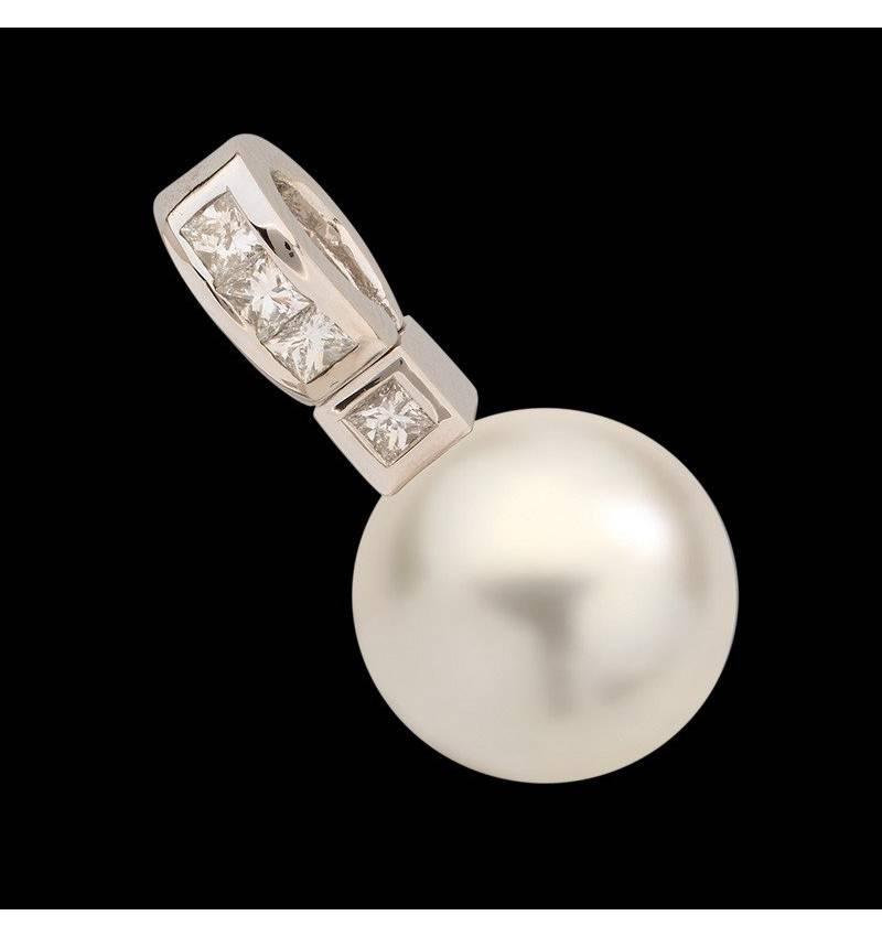 波拉公主白珍珠镶嵌钻石吊坠