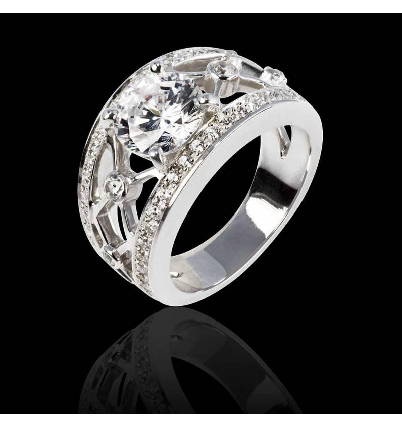 丽姬女王白18K金圆形钻戒 群镶钻石