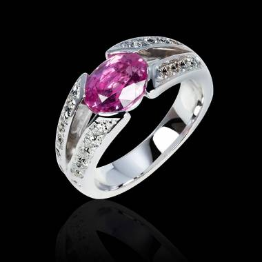 伊莎贝尔 粉红蓝宝石订婚戒指