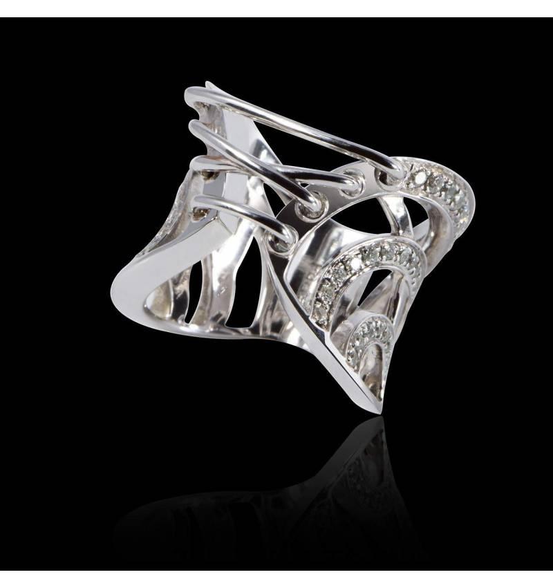 束带钻石戒指